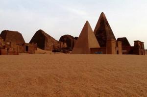 Meroe pyramiderna